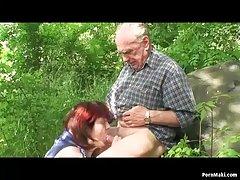 दादी और दादाजी आउटडोर बकवास